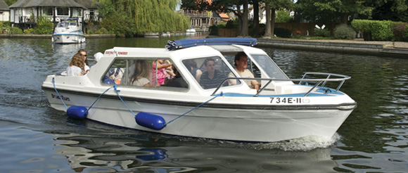 electric day boat