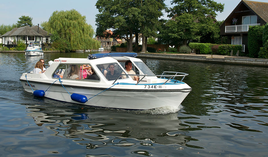 electric day boats hire