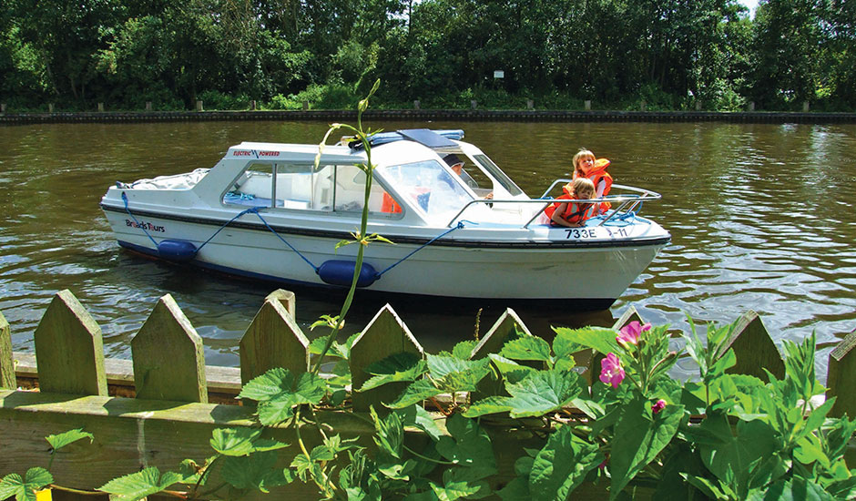 Wroxham Electric Day Boat Hire
